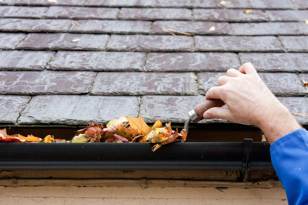 Gutters repair and maintenance